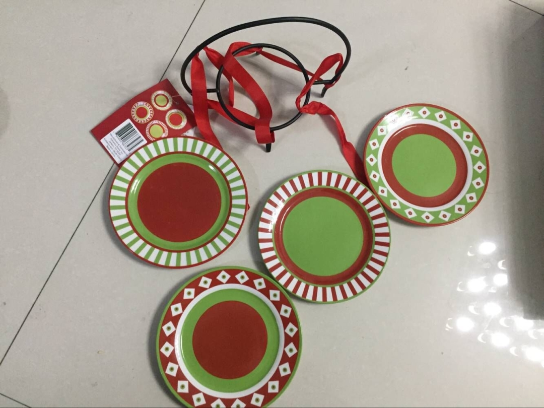 Stocklot GS181121 5400 sets of CHRISTMAS 2ASST S/4 CANAPE PLATES