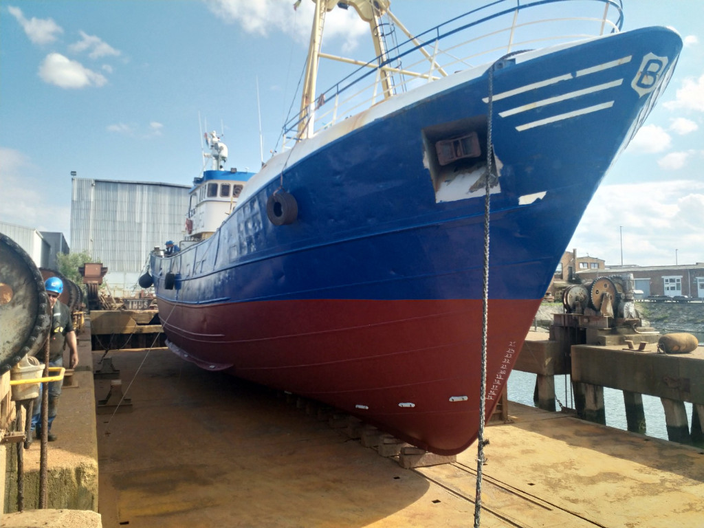 Offshore & Support vessel suitable for Guard and Safety standby works