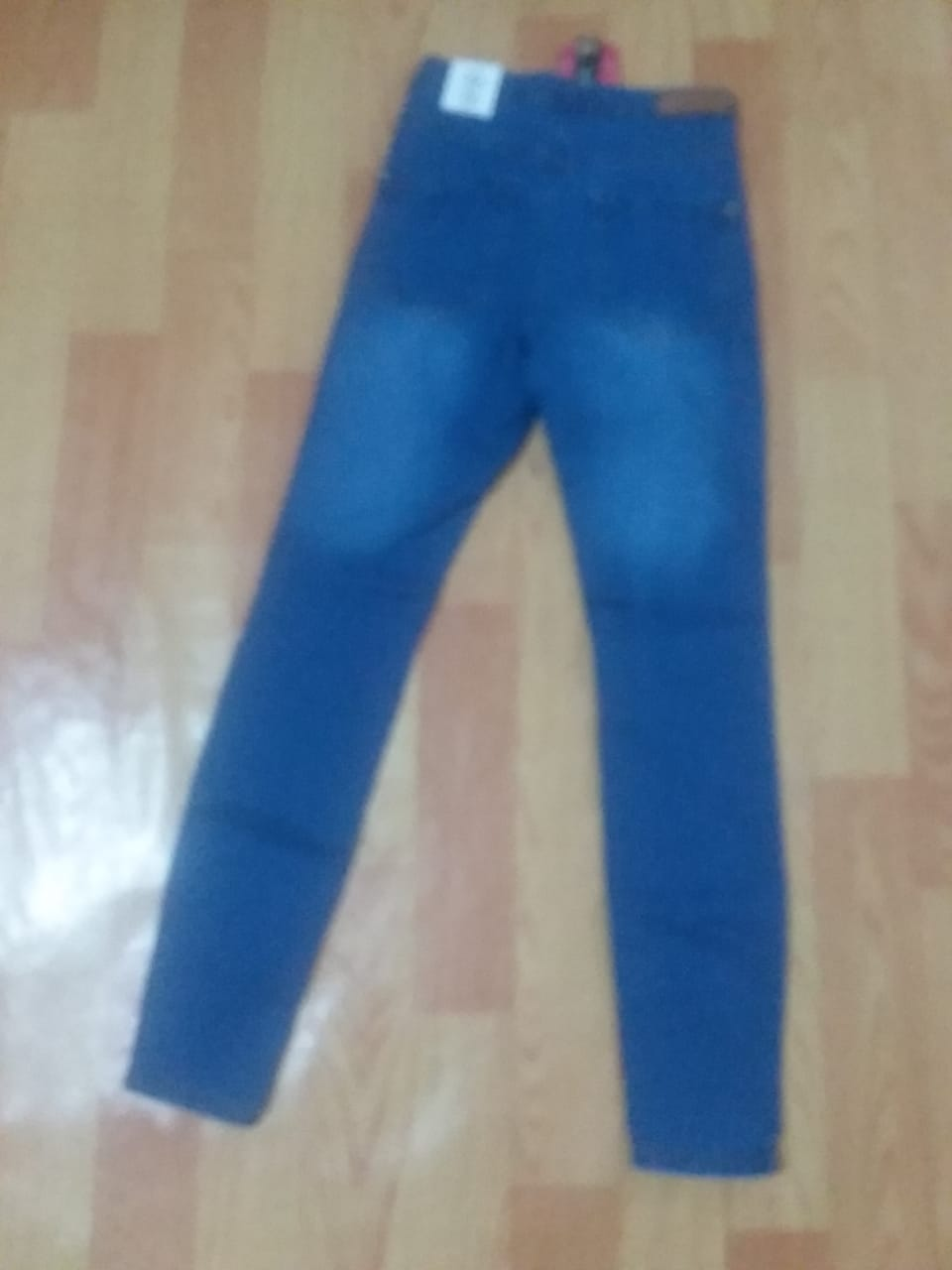 STOCK OF 15000 pcs LADIES DENIM JEGGINGS pakistan jan 22 19