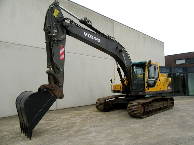 Tracked excavator for sale:
