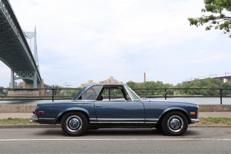 This 1967 Mercedes 230SL