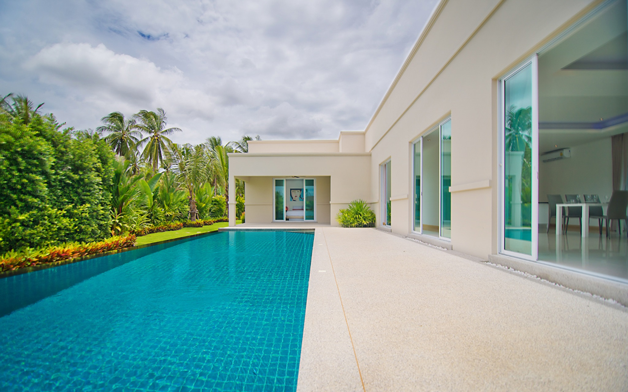 Super Modern Villa Reduced by 800,000 THB - Designer Kitchen & Infinity Pool
