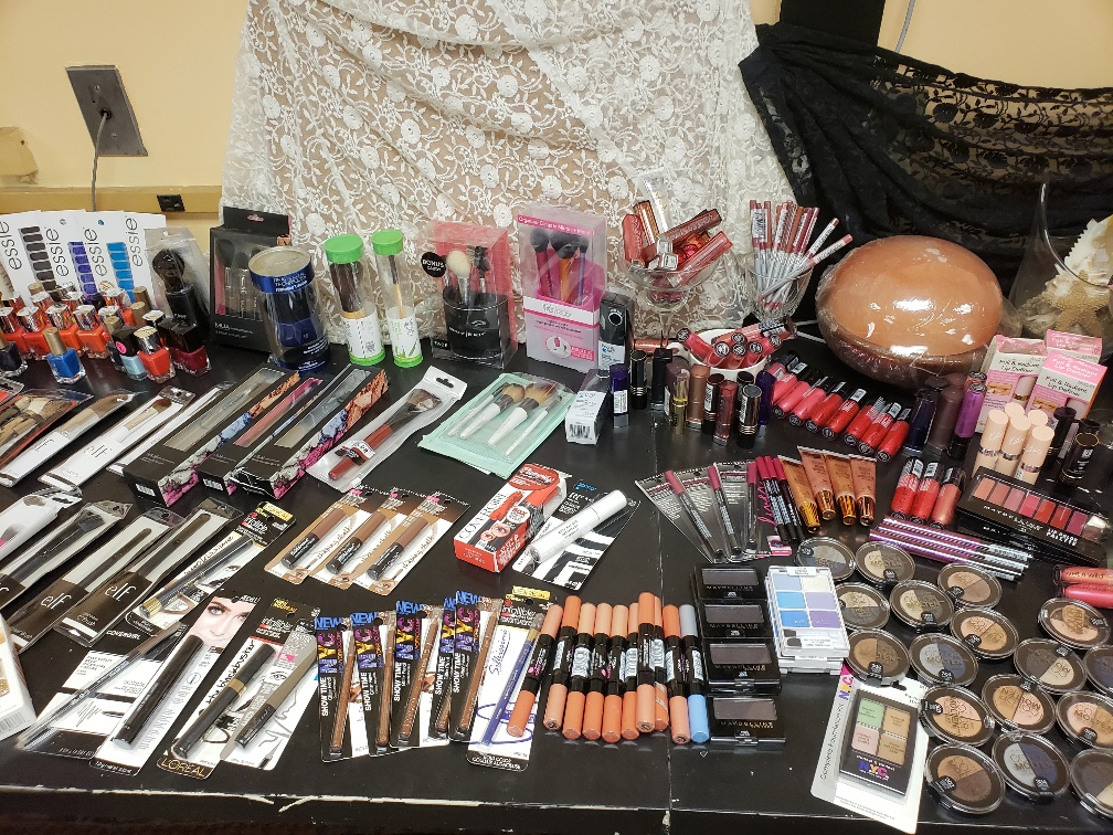 Mixed Name Brand Cosmetic Pallets