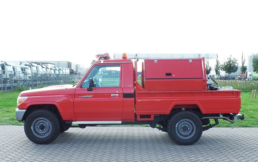 1 Unit Toyota Landcruiser VDJ79L 4x4 Fire engine - NEW
