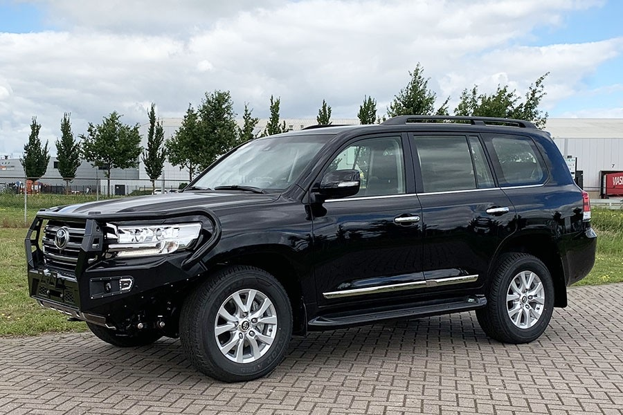 1 Unit Toyota Land Cruiser 200 VX Executive 4x4 SUV - NEW